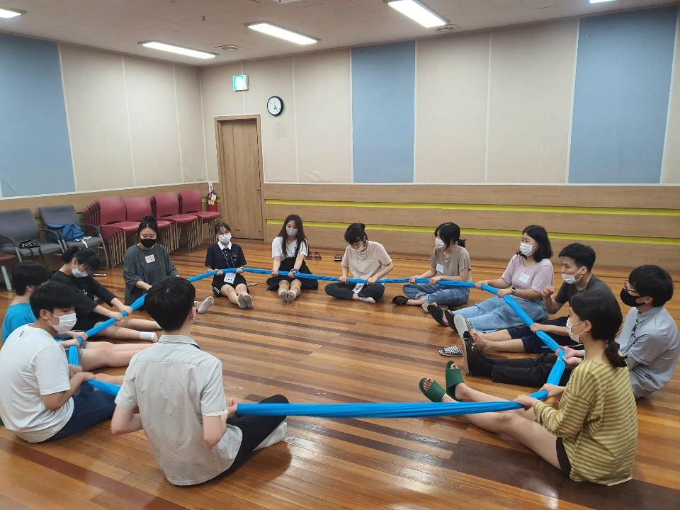 함께 사회성교육에 참여하는 우다다프렌즈의 모습